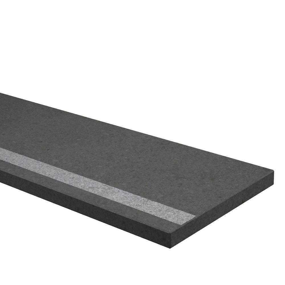 Traptrede 30 mm dik met antisliprand Basalt (gezoet)